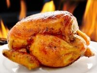 Beer Can Chicken (Drunken Chicken) auf dem Grill