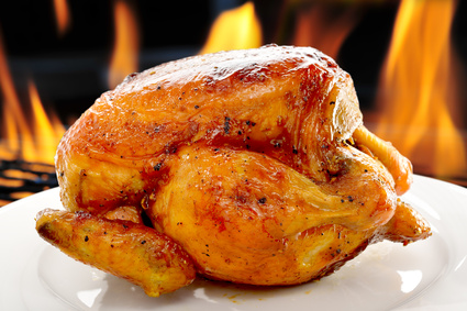 Beer Can Chicken (Drunken Chicken) auf dem Grill