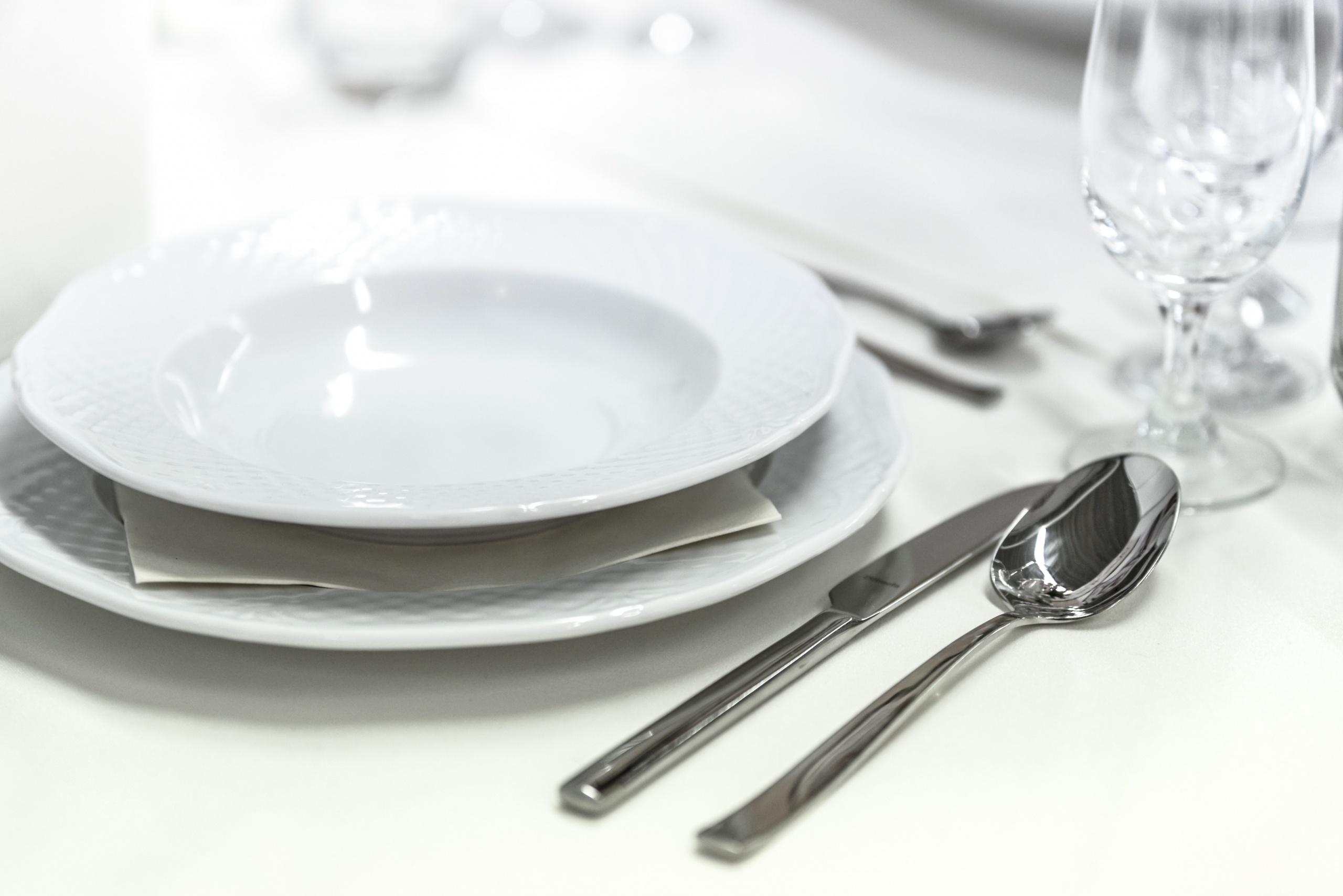 Das passende Besteck ist Pflicht beim gedeckten Tisch und guter Rezepturen