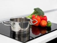 Induktionskochfeld richtig pflegen und reinigen