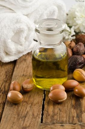 Mit Arganöl die Haare pflegen
